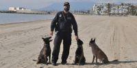 Tres perras y un guía: freno a la drogaen Marbella