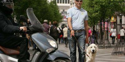 """Eloy Aranda: """"Los perros guías tienen que aprender a desobedecer de forma inteligente"""""""